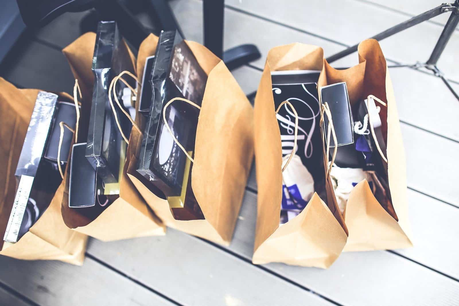 30 Ideas For Swag Bags People Won't Throw Away